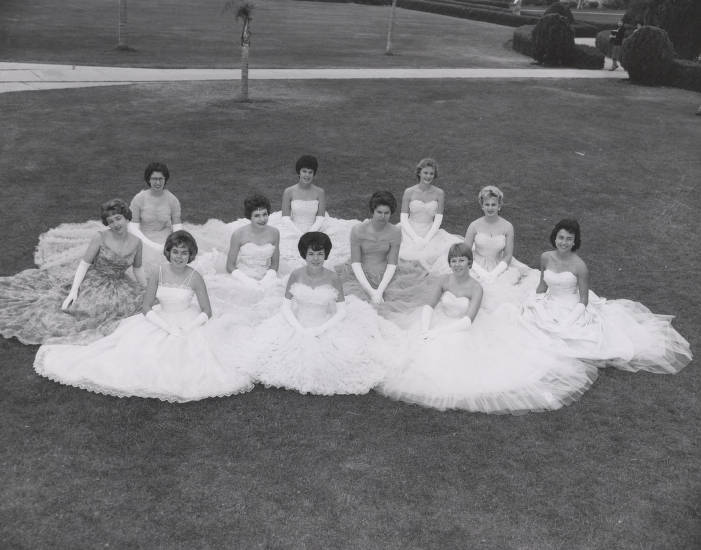 Homecoming queen candidates pose on Pepperdine College lawn